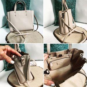 ANN TAYLOR Cross Body Expandable Purse Bag Cream